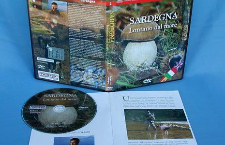 DVD Box nero con libretto.